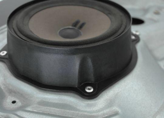 rivetti-per-gli-altoparlanti-dei-veicoli-soluzioni-fissaggio-rivetti-sariv-(B)